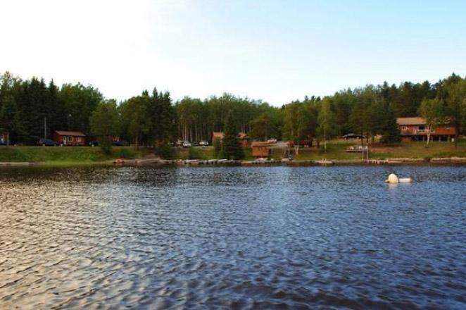 Five Lakes Lodge